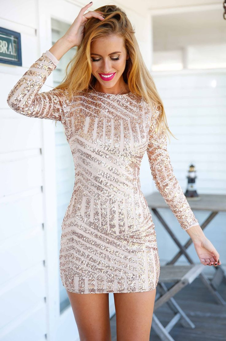 Get Your Perfect 30th Birthday Party Looks In This Sparkly Short Dress With Long Sleeves Fashion Dresses 30th Birthday Outfit Ideas For Women [ 1108 x 736 Pixel ]