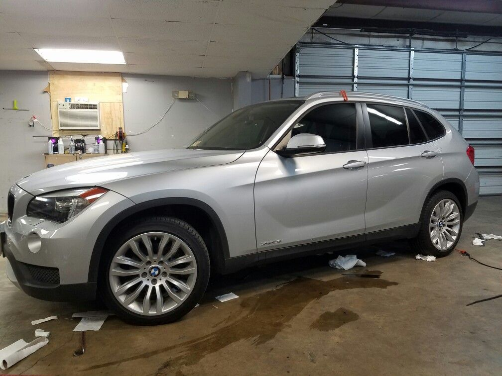 Bmw X1 We Tinted 20 All Around With Our Llumar Atc Series Fishbowl Look Eliminated Check Out Our Film Viewer Under The Tinted Windows Windows Wood Bridge