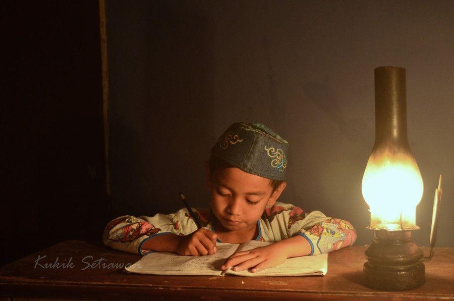 Belajar Anak Desa Color Splash Photography Qur An Photography Children Photography