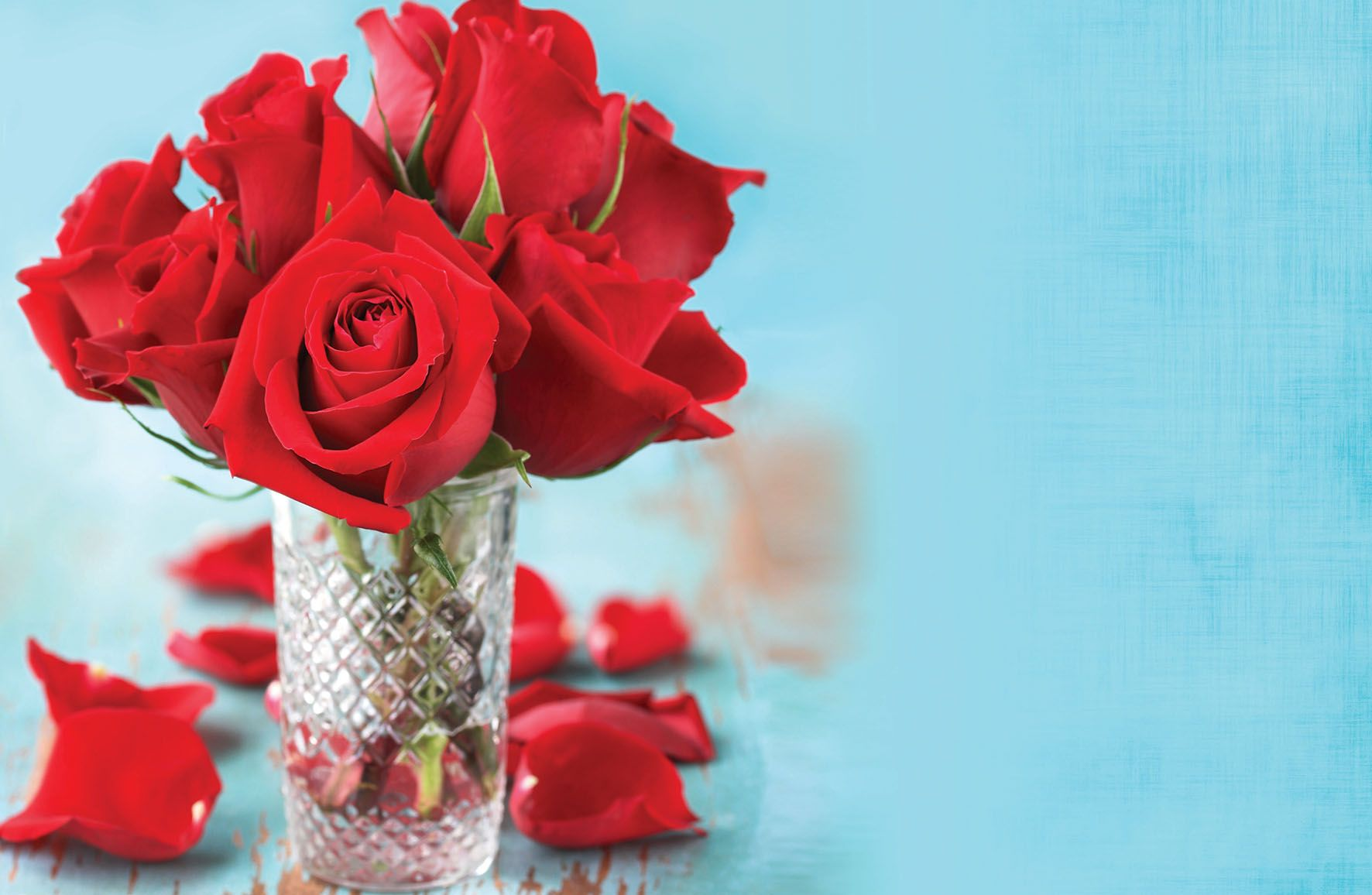 <p>Nadia Ali opens the doors to romance with her decor ideas for the summer.</p>
