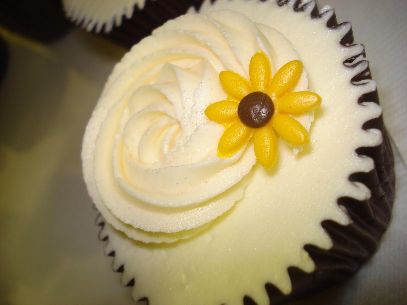 Sunflower Cupcakes   wedding ideas   Pinterest   Sunflowers ...