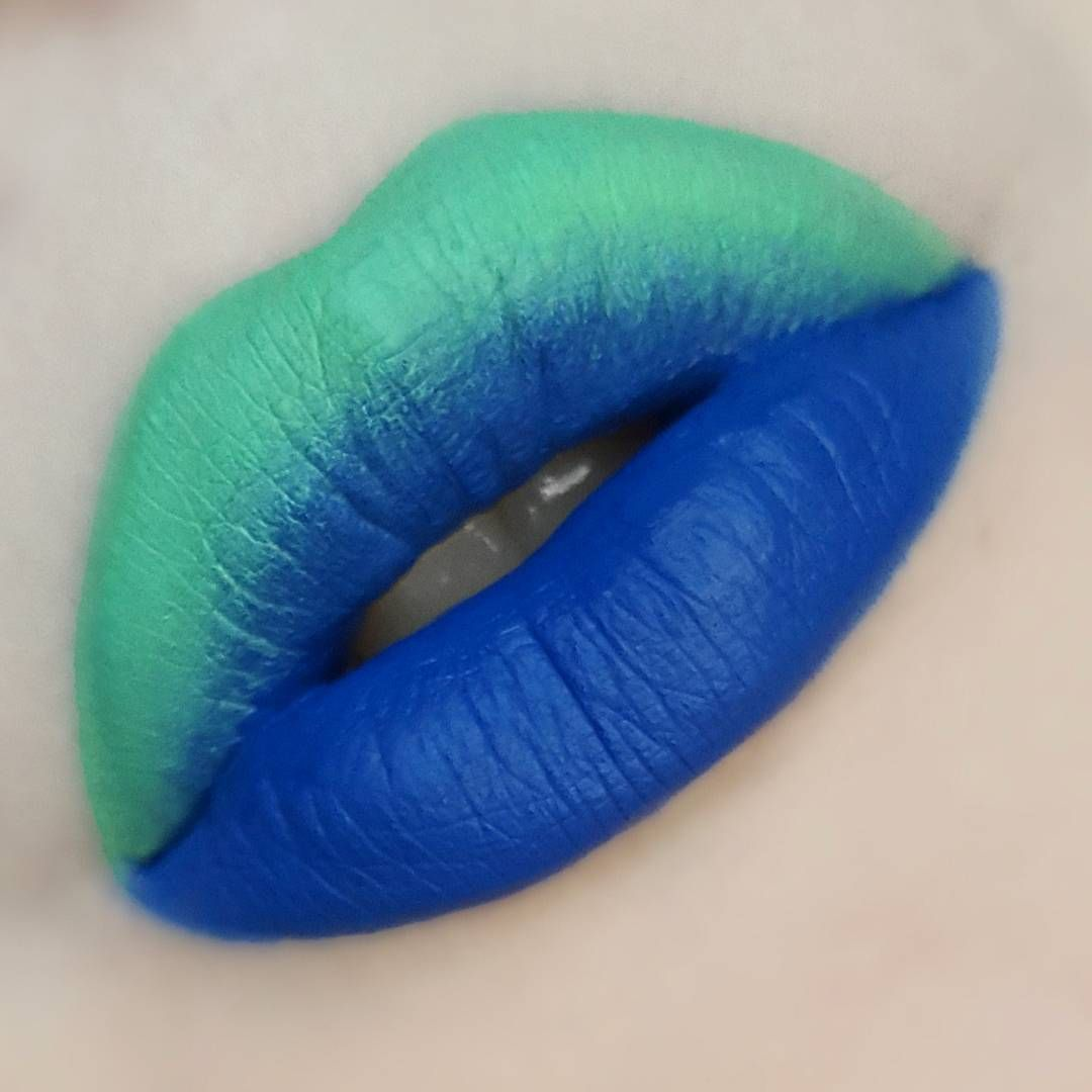 "ZODIEAC (@zodieac) Green is @limecrimemakeup Velvetine in ""ALIEN"" Blue is @makeupmonsterscosmetics ""WIPE OUT """