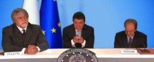 """il popolo del blog,: Crozza-Renzi bacchetta Poletti e Padoan: """"Sul Jobs..."""