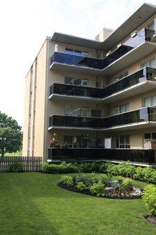 300 St. Clair Avenue West Toronto, Ontario Canada, M4V 1S4
