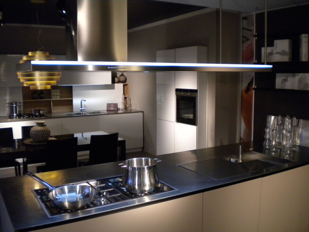 Best Cappe Sospese Per Cucina Pictures - Ideas & Design 2017 ...