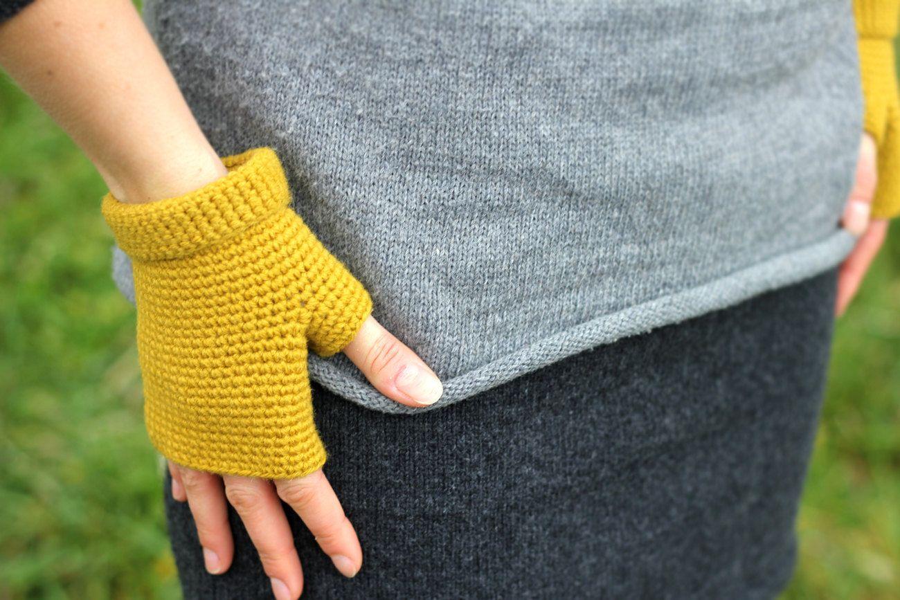 hand-crochet gloves
