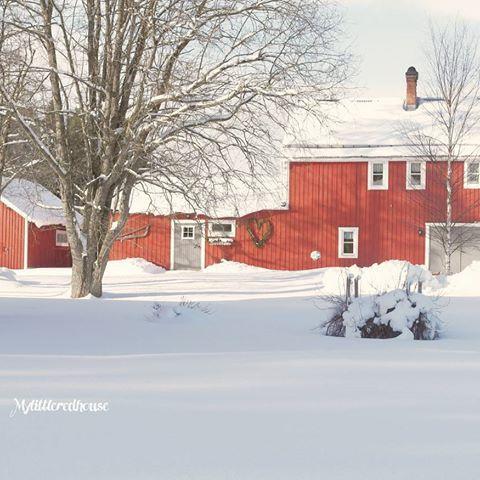 f51e518bf2a0 Godmorgon ♡ Hoppas ni sovit gott! Vi har sju byggnader på vår gård ...