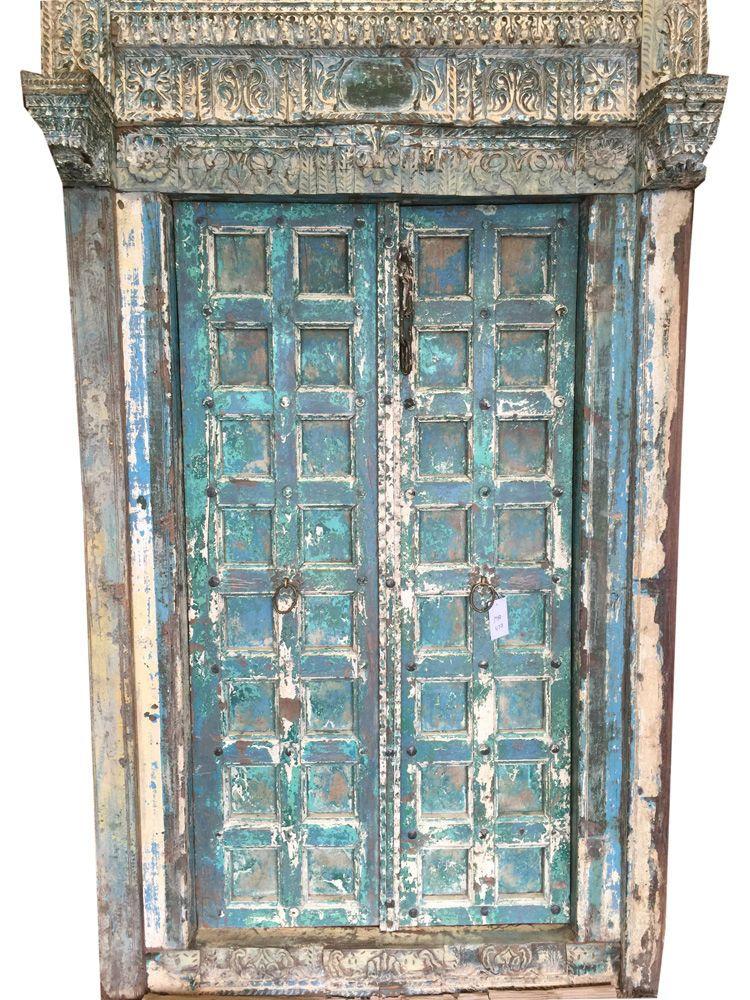 Vintage ancient door revealing the ancient of days of maharajahs of india - Vintage Ancient Door Revealing The Ancient Of Days Of Maharajahs Of