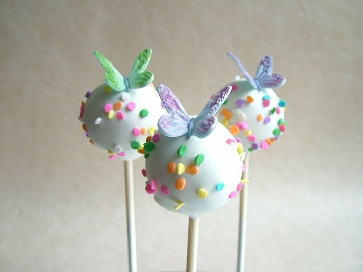 Love these butterly cakepops!