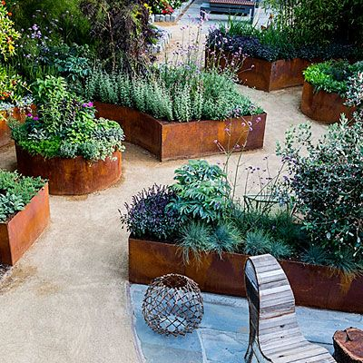 10 design ideas for a tiny edible garden sunset gardens for Edible garden design ideas
