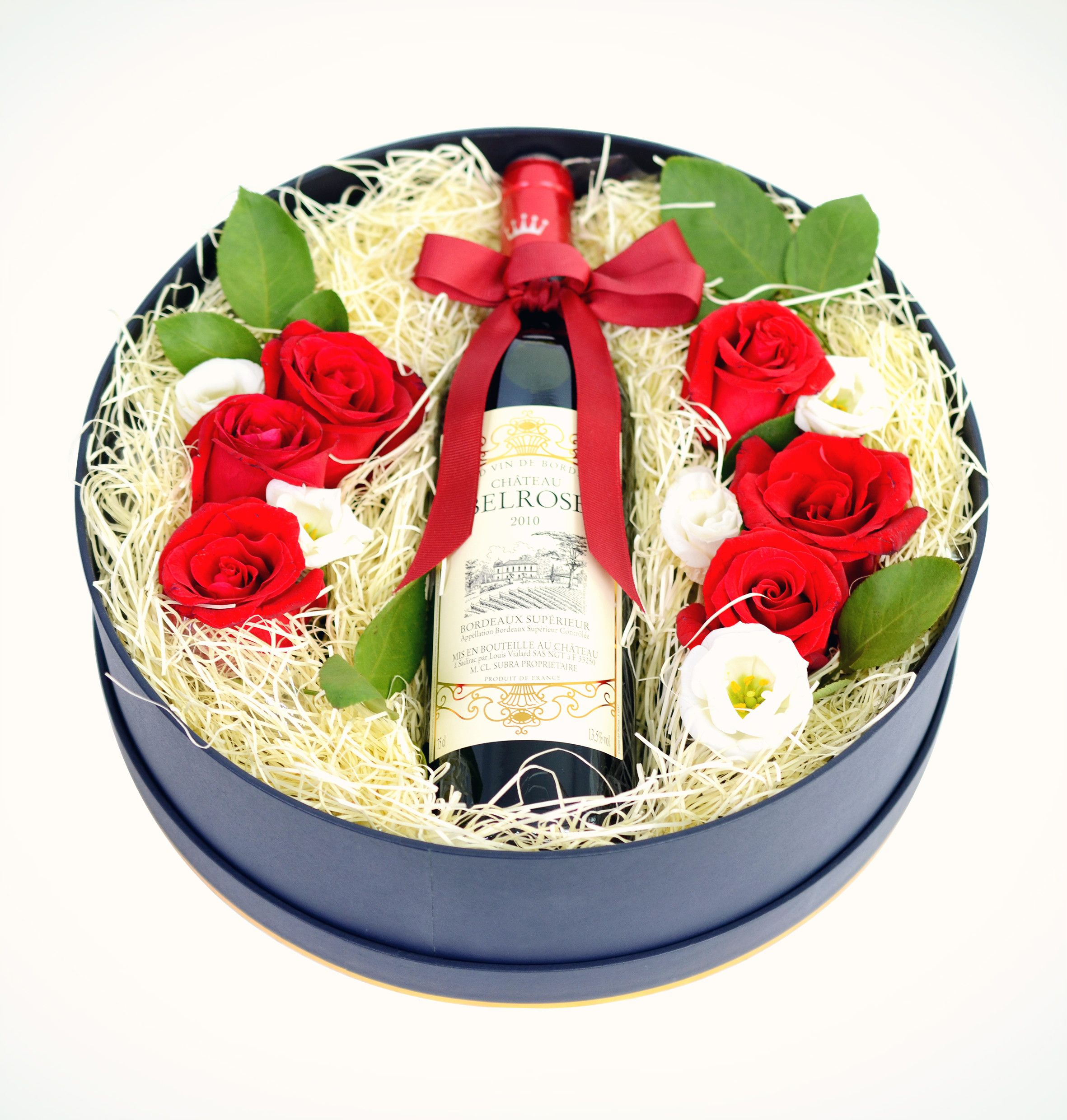 Surprise Your Dad With Our Wine With Flowers Gift Box On The Coming Father S Day Fruit Hampers Flower Gift Gift Box