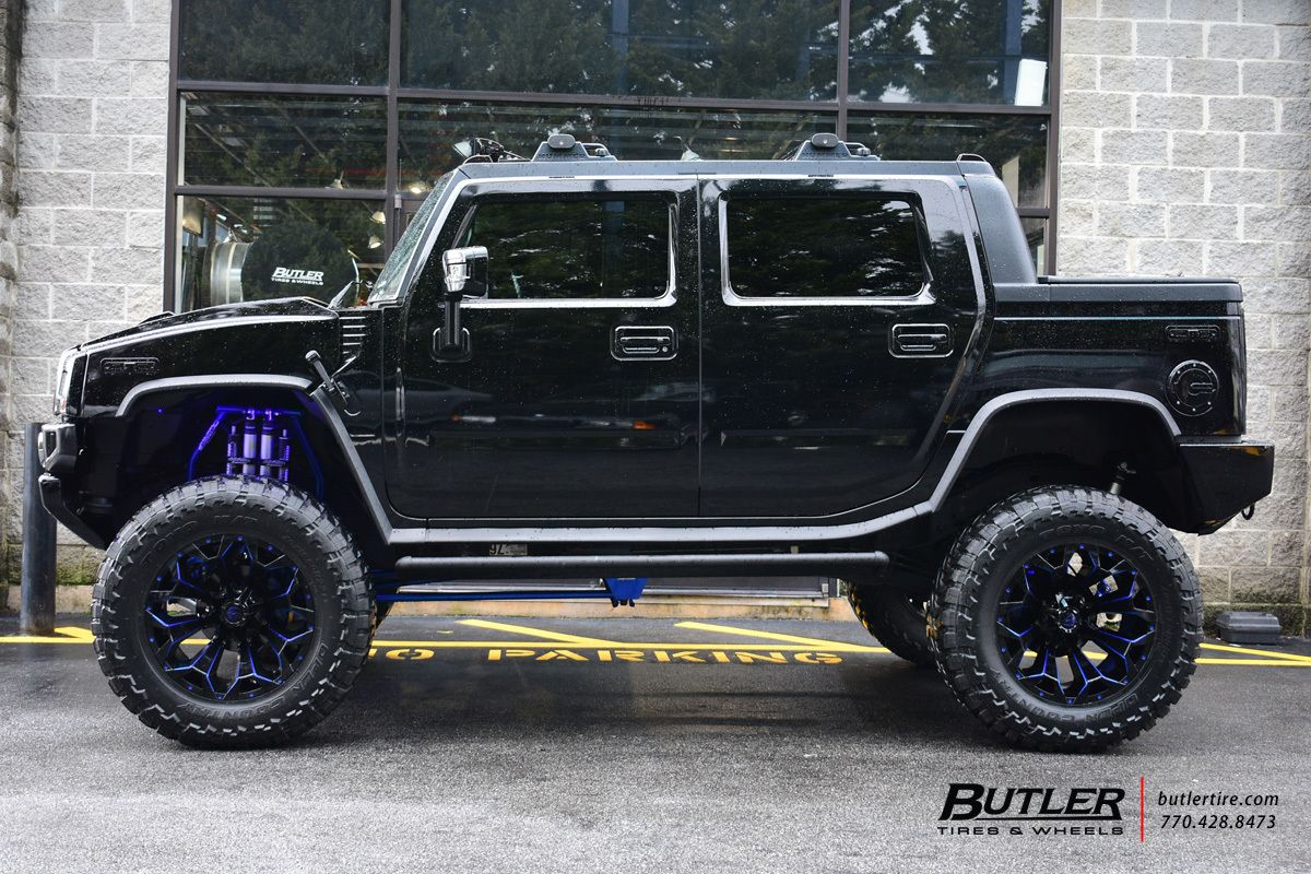 hight resolution of lifted hummer h2 with 22in fuel assault wheels