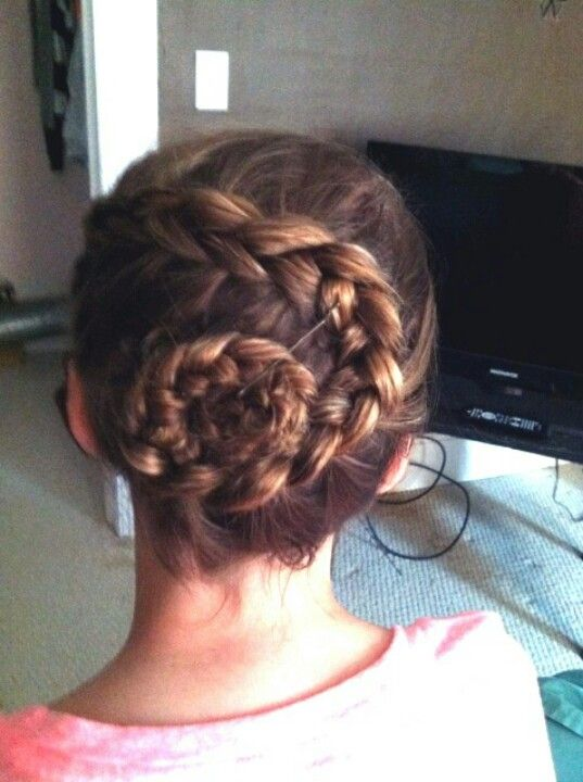 Wraparound flower braid