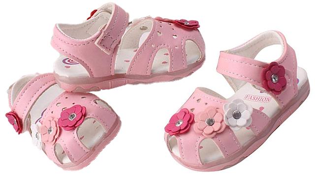 e006bd25a Saingace Toddler Little Baby Girls LED Light Flowers Sandals Soft Soled  Anti-slip Princess Footwear Shoes