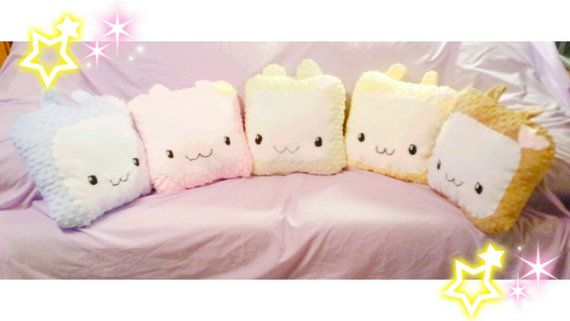 The adorable alpacas Bluberry chan, Citrus chan, Coacoa milk tea chan and Mint chan. They are now available to you as a pillow plushie. So soft