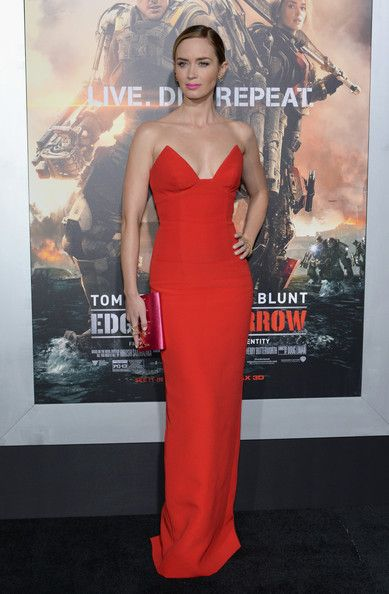 Emily Blunt in Prada at the  Edge of Tomorrow  NYC Premiere 381881c0d76