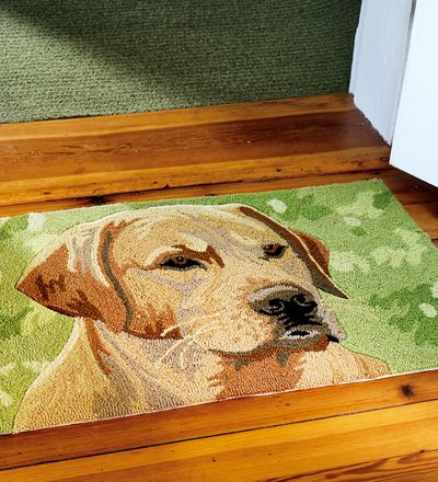 Washable Hand Hooked Yellow Labrador Retriever Accent Rug