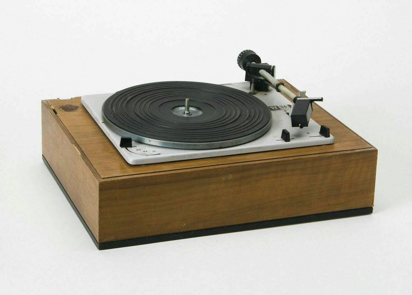 Perpetuum Ebner 34 HiFi turntable, 1967   Turntable ...