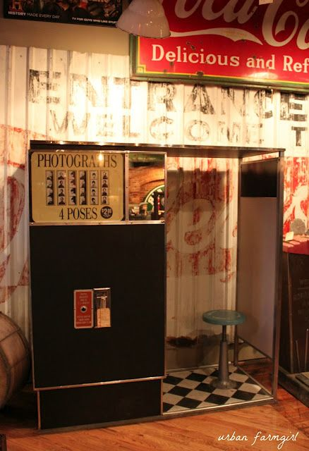 American Pickers Nashville! I want this photo booth!