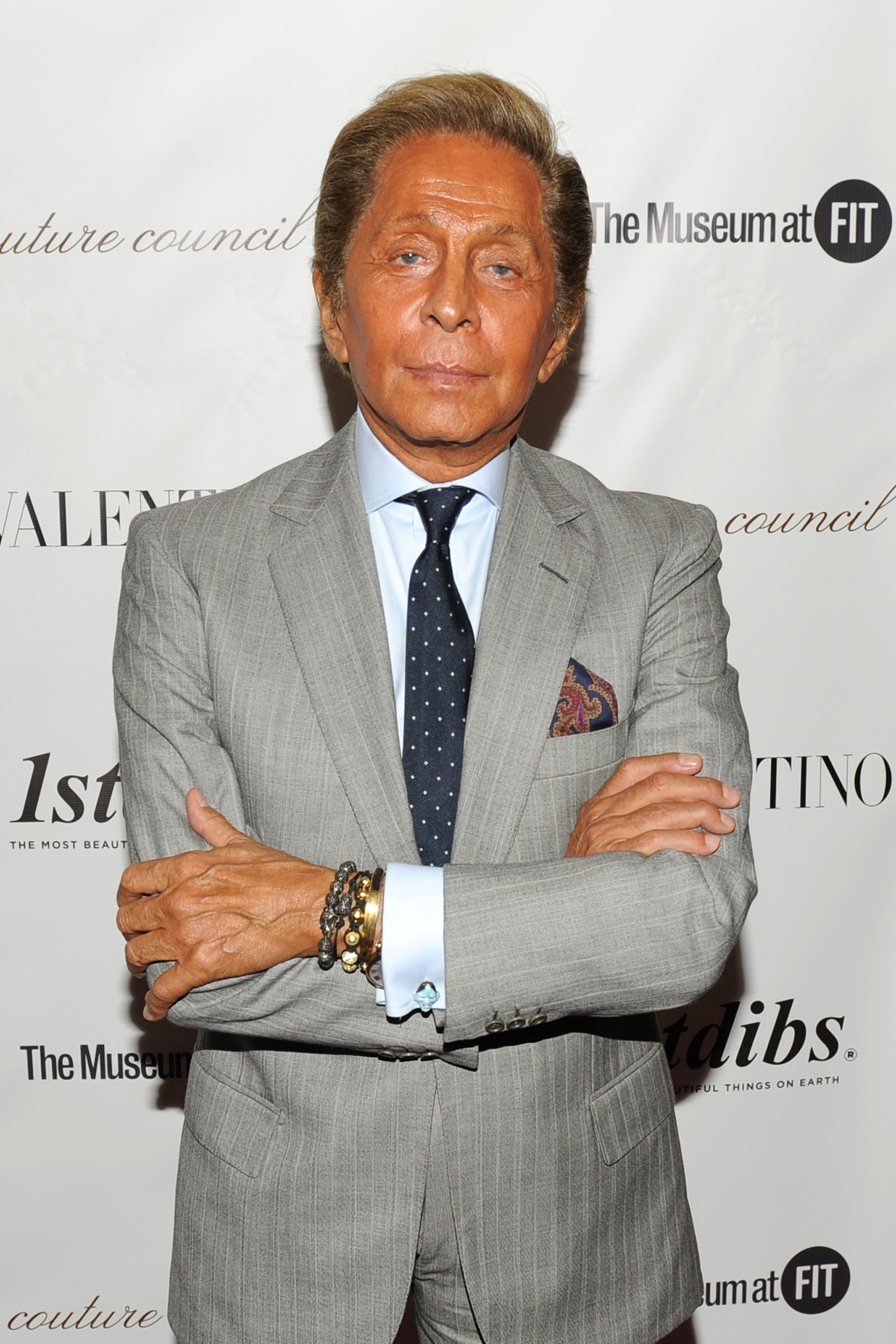 572d7d83cbdcb Valentino Garavani started his own line in Rome in 1959. By the mid-1960s,  he was a favorite designer of the world's best-dressed women, ...