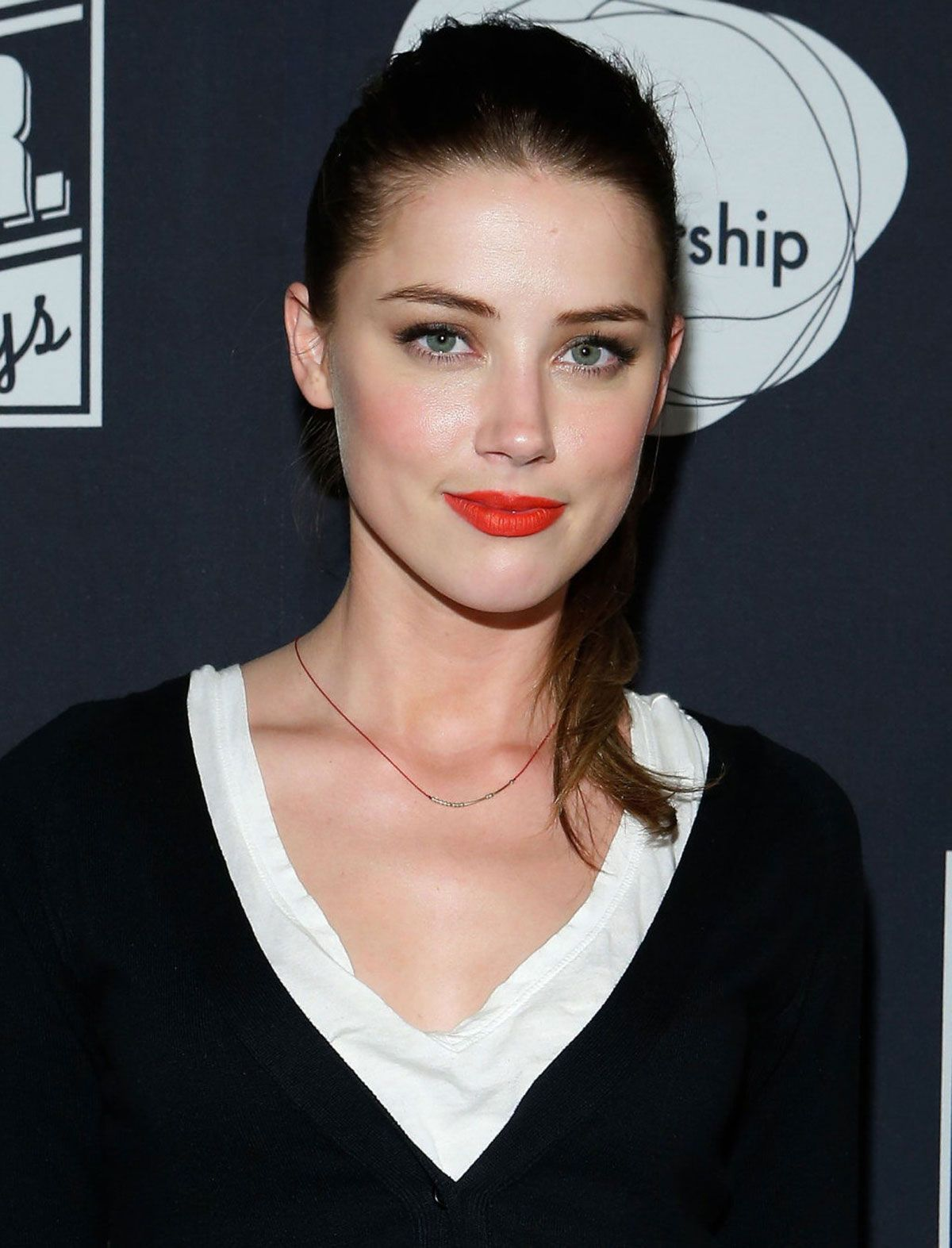 Luxurious glitter and glamour Amber Heard Fabulous Hairstyles... A fan of muscle cars, she drives a 1968 Ford Mustang