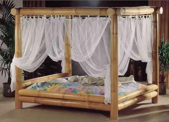 Lit Baldaquin En Bambou A Paris Decor Chambre A Coucher
