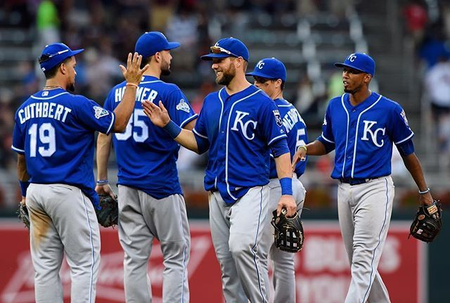 Put that one in the W column 🖐 #Royals