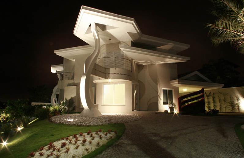 40 fachadas de casas modernas e esculturais maravilhosas for Construcciones de casas modernas
