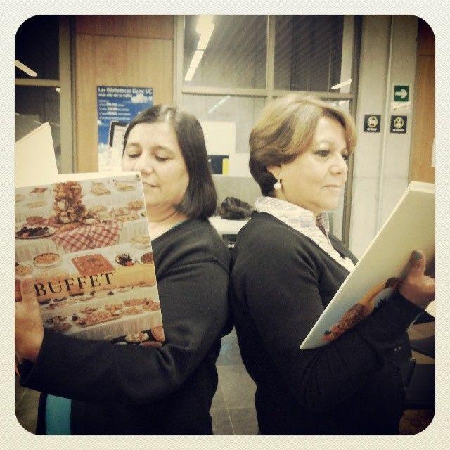 Celebremos el mes del libro. Participa con tu bookselfie! #duplamañana #bibliotecasduocuc #bookselfieduocuc #diadellibroduocuc #duocalonsodeovalle