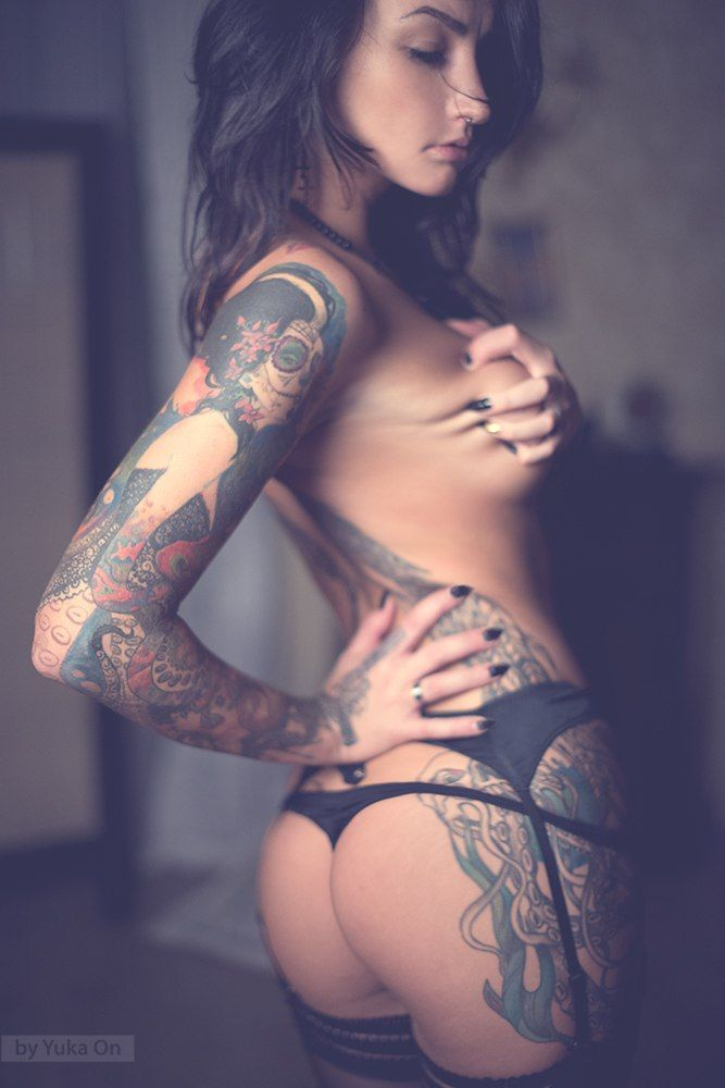 Xxx girls with tattoo the