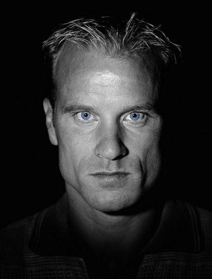 Dennis Bergkamp by Stuart MacFarlane