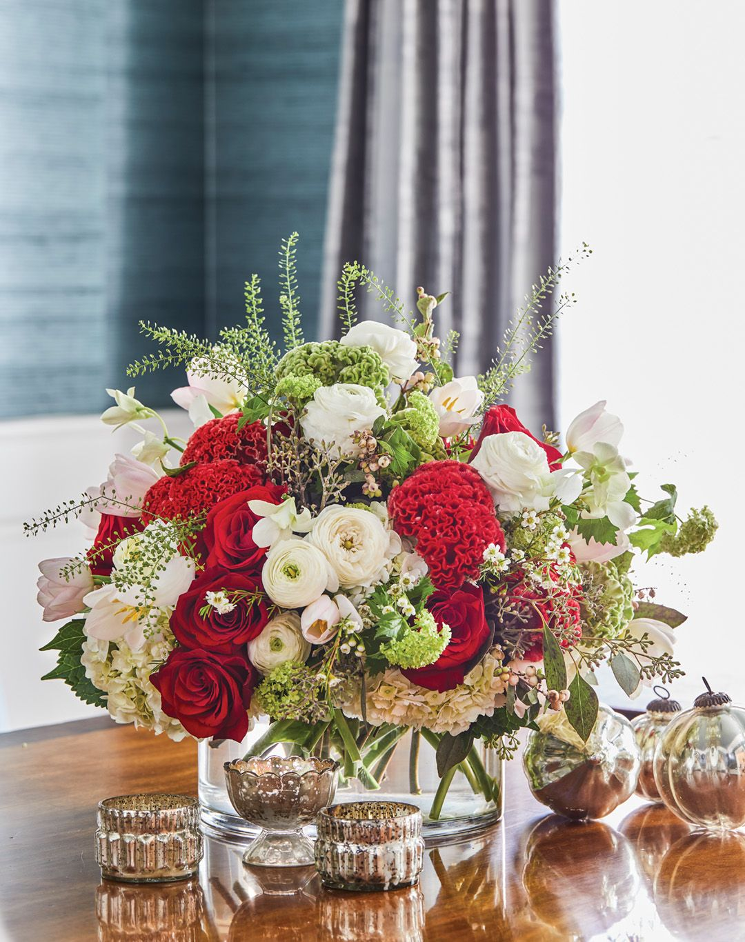 Canaan Marshall S Holiday Style Christmas Flower Arrangements Christmas Floral Arrangements Christmas Floral