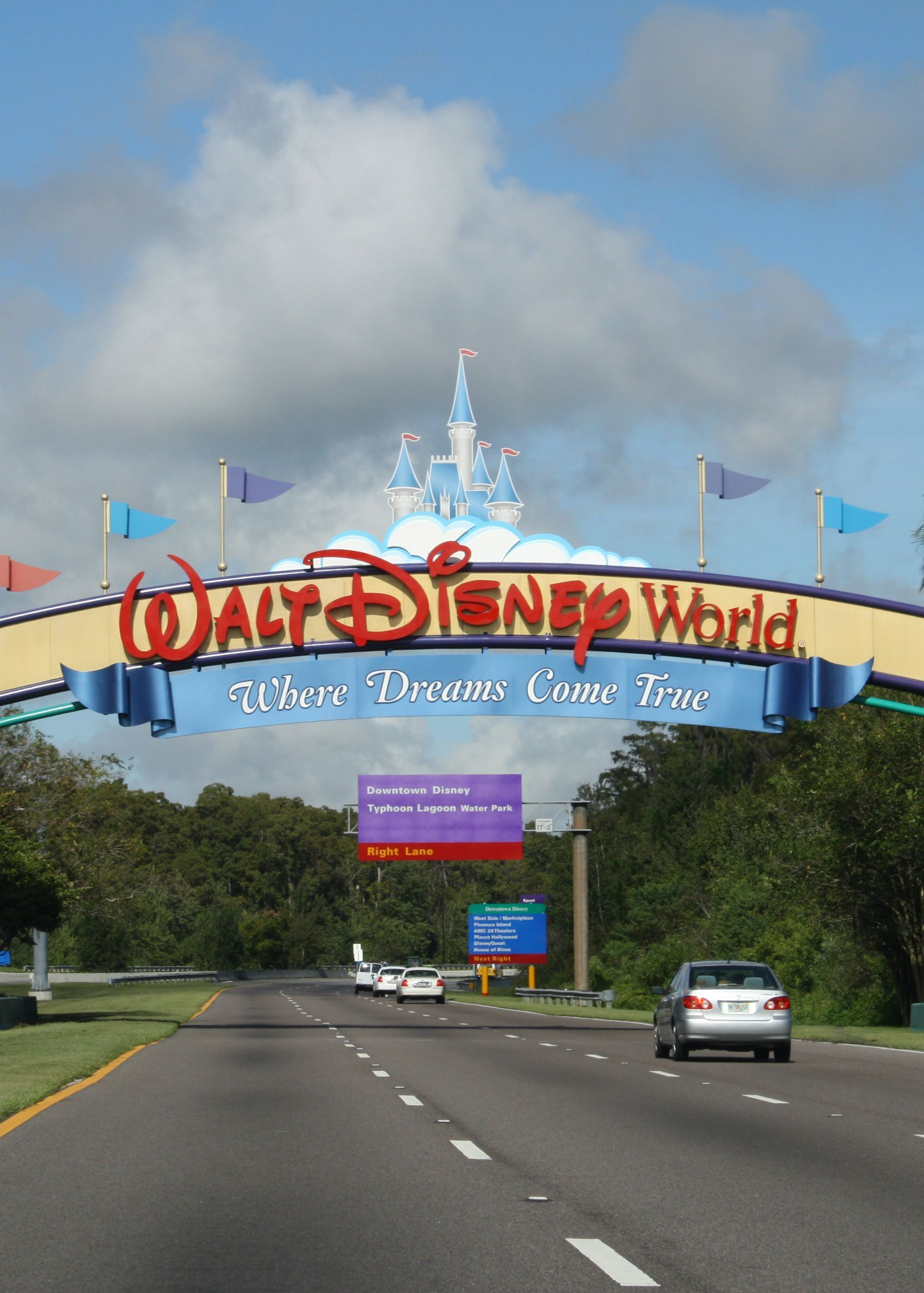 10 Ways To Stay Safe On Your Walt Disney World Vacation