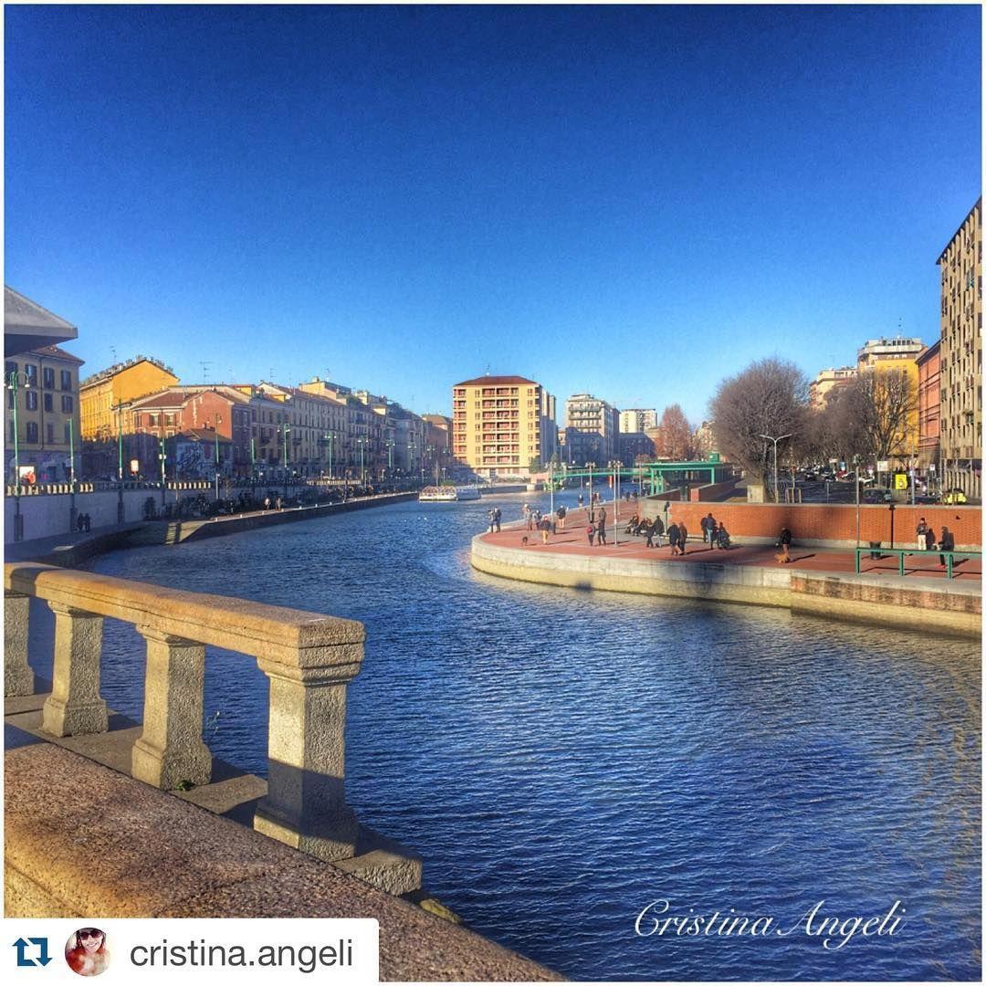 Grazie a @cristina.angeli per questo scatto della Darsena by milanostupenda
