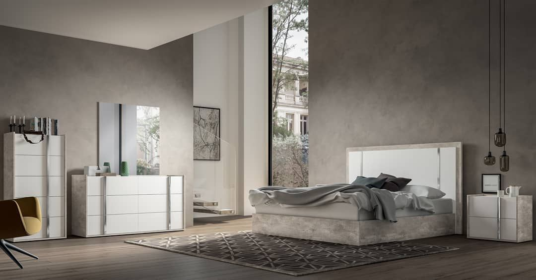 Our Luxury Designer Italian Furniture Range Combines Fashion With Furniture To Bring Sophistication And Glamou In 2020 Bedroom Set King Bedroom Sets Bedroom Sets Queen