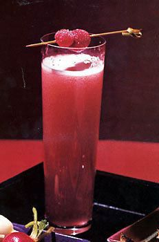 Cosmo champagne cocktail