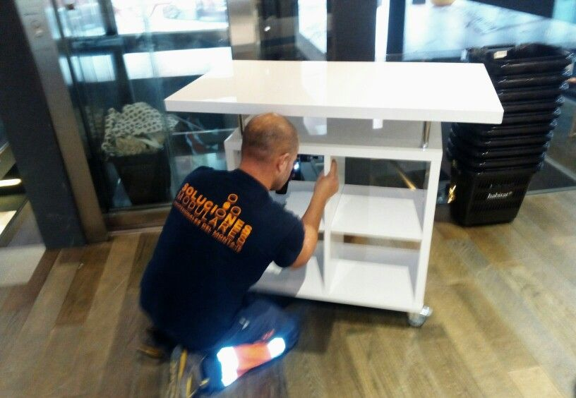 Montaje de mobiliario para tiendas en tenerife montadores de muebles canarias muebles - Montadores de muebles autonomos ...