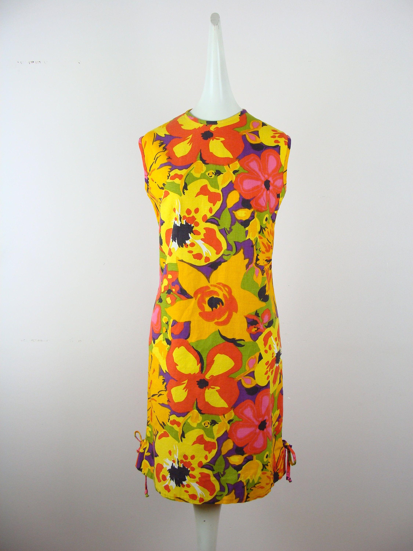 Vintage Sun Dress 60s Floral Print Shift Dress 1960s Knee Etsy Vintage Sun Dress Lace Dress Vintage Printed Shift Dress [ 3000 x 2250 Pixel ]