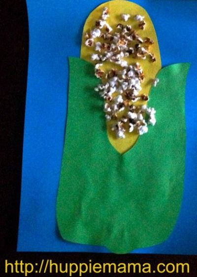 Celebrate Thanksgiving with this quick and easy kid'€™s craft using popcorn and colored paper.
