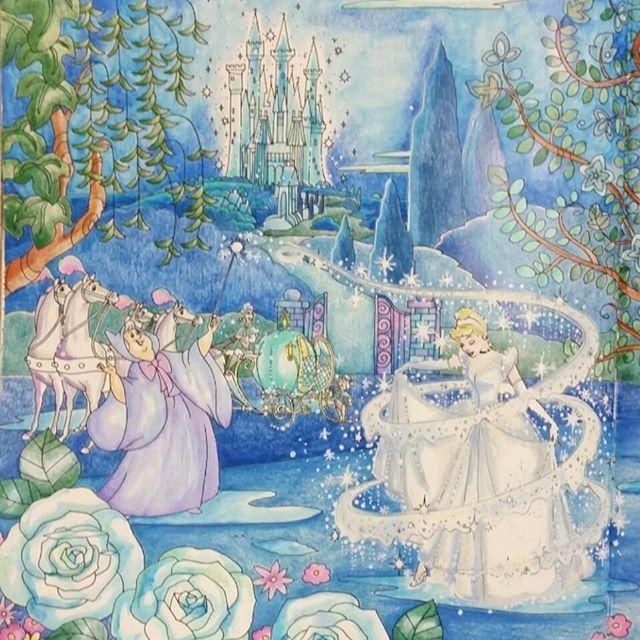 シンデレラのドレスは拘りの白おとなのぬり絵 大人の塗り絵旅する