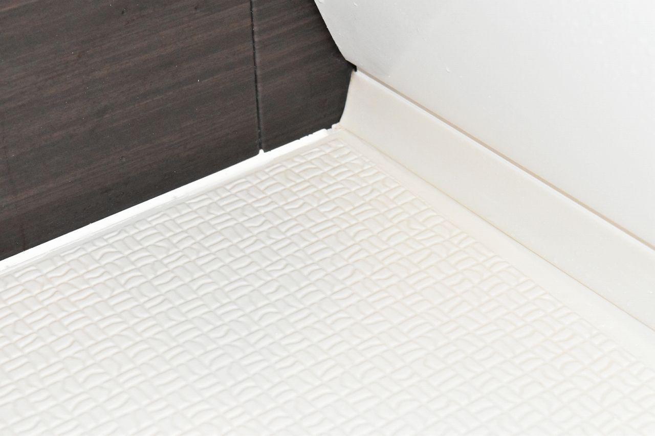 お風呂場の床の黒ずみを10分の掃除で綺麗にできた方法 浴室の掃除