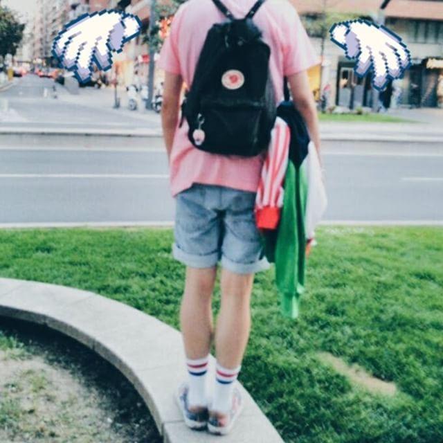 90s aesthetic kawaii boy fju00e4llraven kanken summer outfit ootd urban style nineties Cute pastel ...