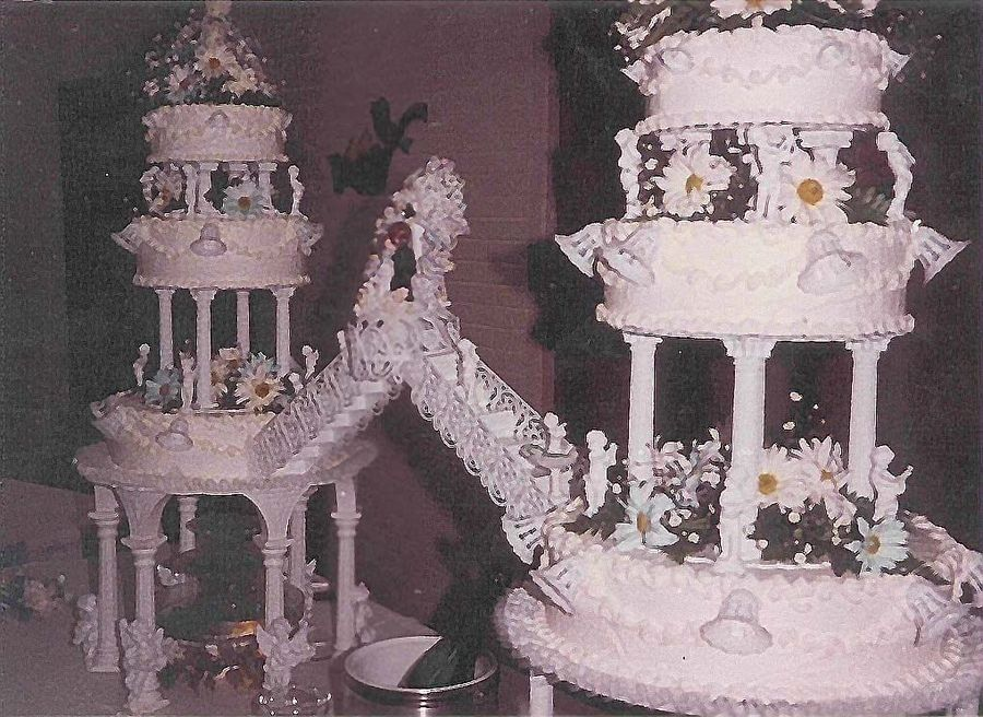 wedding cake bridges and stairs big wedding cakes with fountains wedding cake 2006 quot pic 22095
