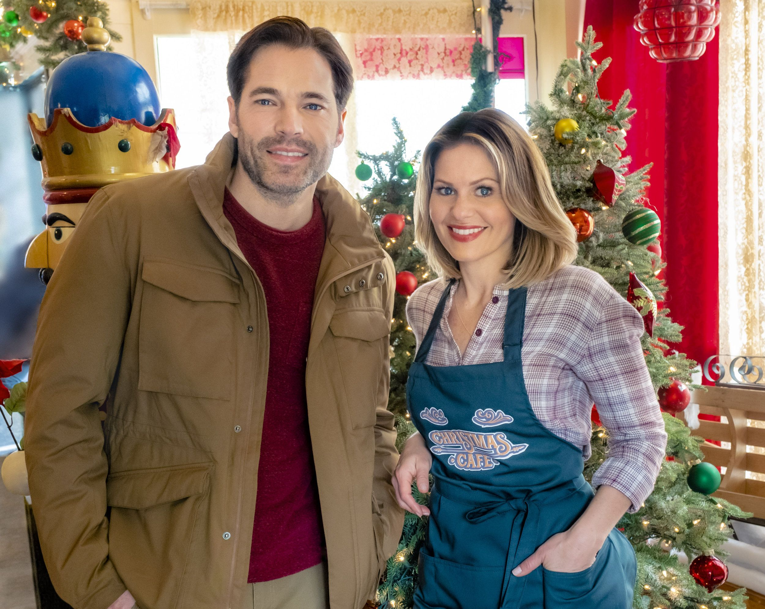 Check Out The Photo Gallery From The Hallmark Channel Original Movie Christmas Town Starring Candace Cameron Candace Cameron Bure Christmas Movies Tim Rozon