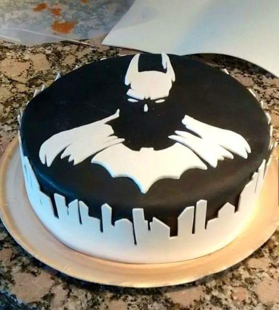 This Badass Batman Cake Will Defeat Your Diet Wonderful Nerd - Dark knight birthday cake