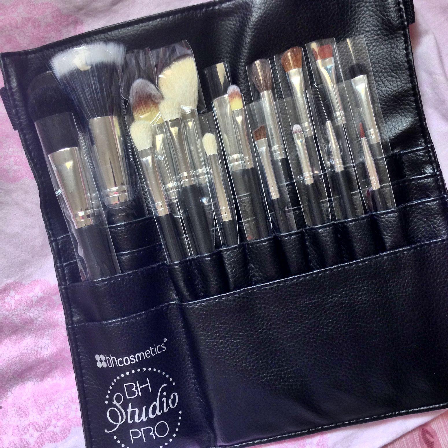 Studio Pro Brush 10 by BH Cosmetics #21
