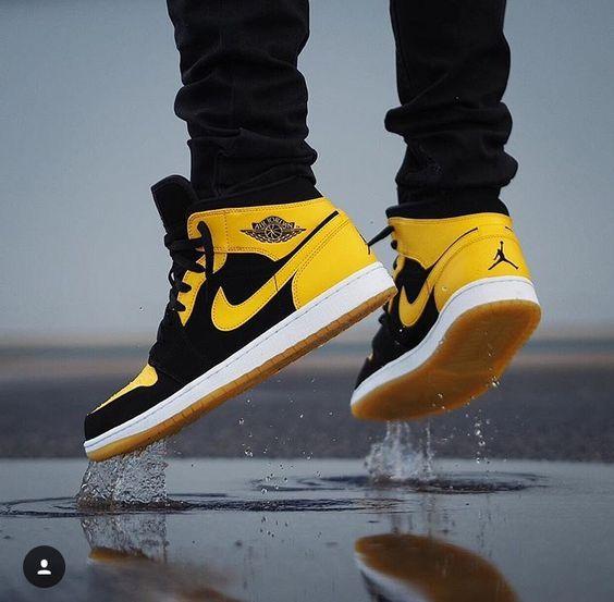 30 Men's NIKE shoes (Yellow) ideas