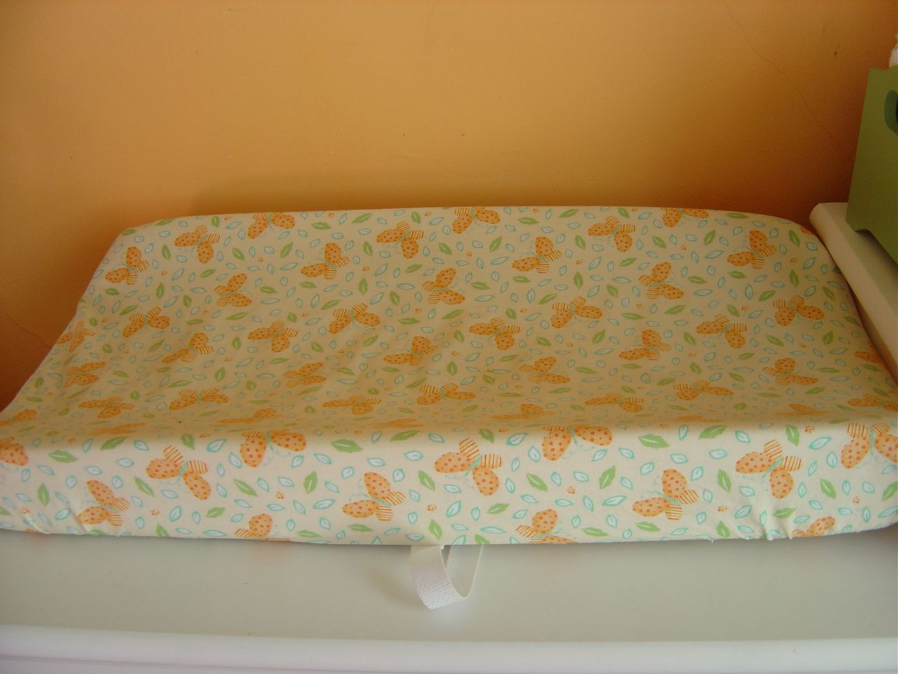 Baby bed sheet pattern - Sew Baby On Your Own For Your Own Countour Changing Pad Cover And Crib Sheets