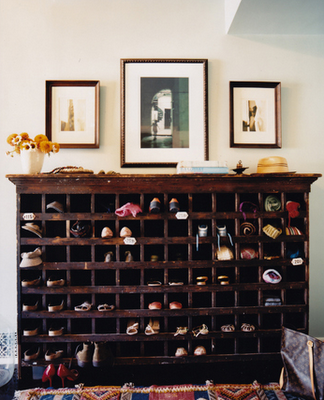 Shoe rack...gonna get the hubs to build me one in my new closet.  :)