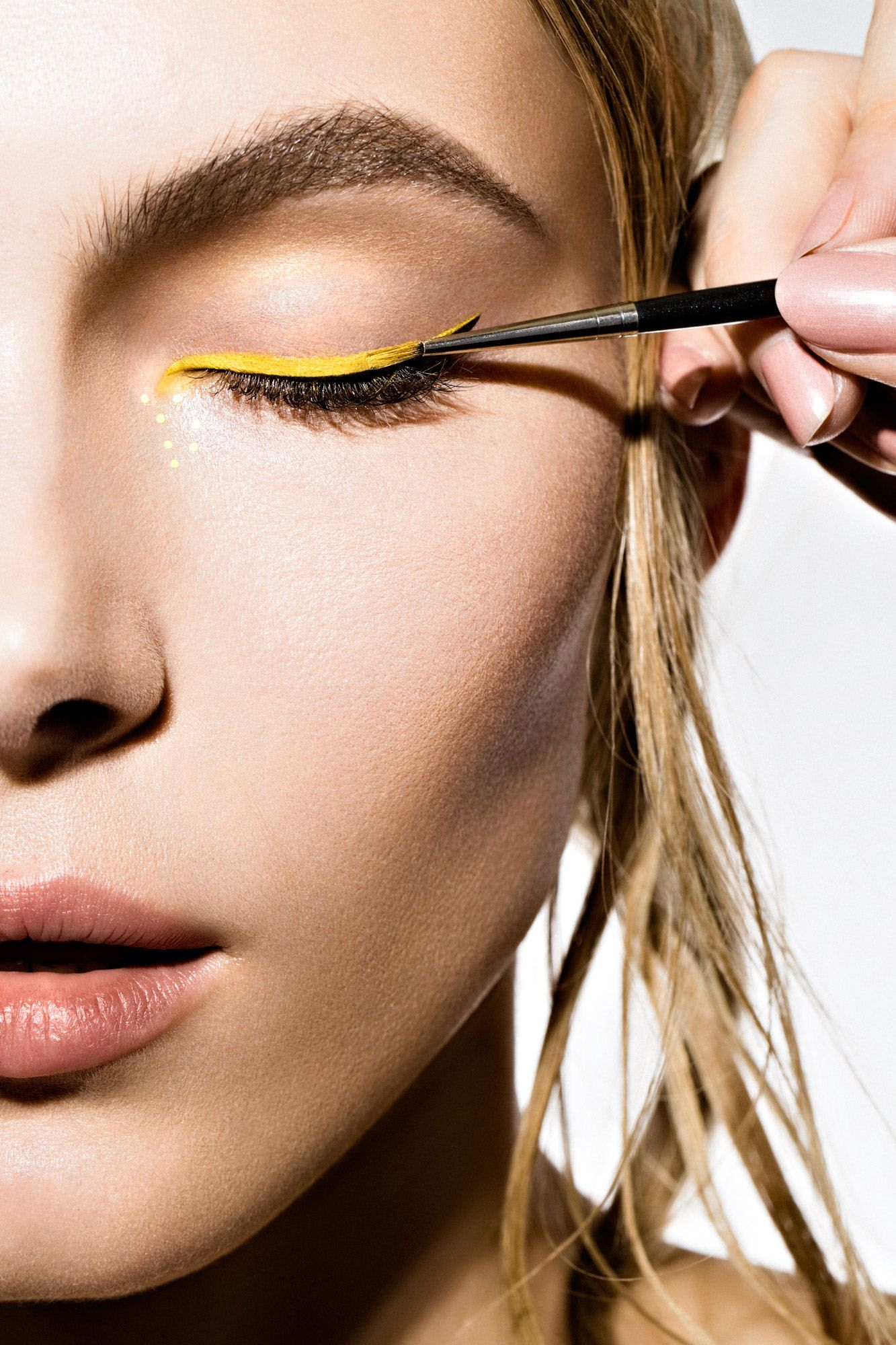 Pin by Dr Shahid on salon Yellow eye makeup, Yellow